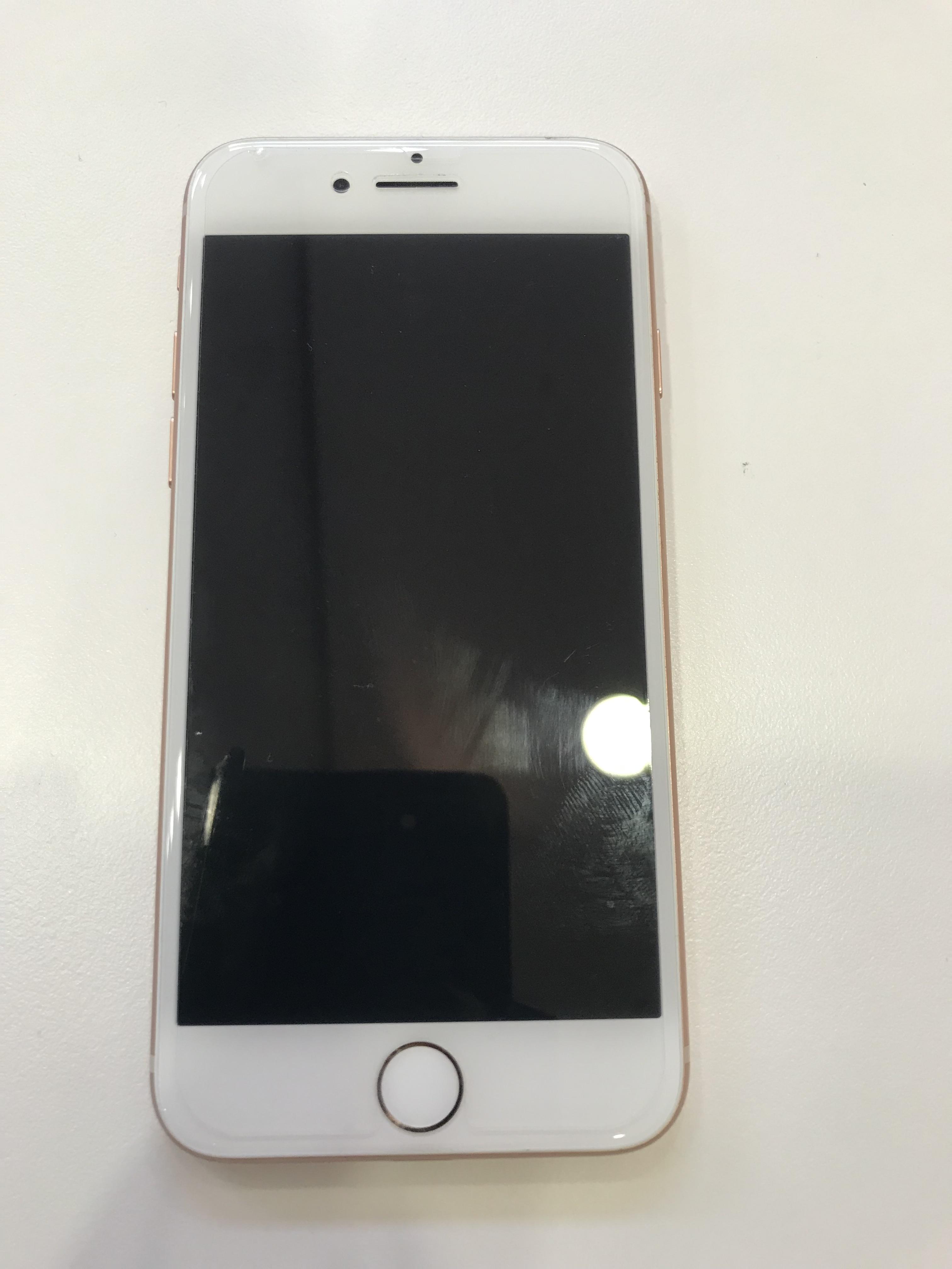 iPhone8 液晶 ブラックアウト