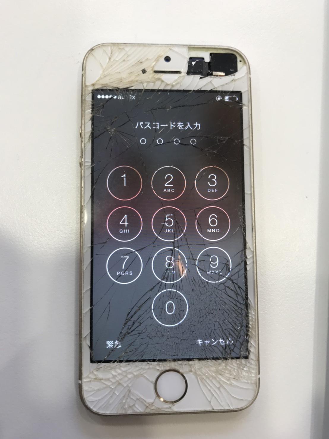 iPhone5s ガラス割れ 修理前