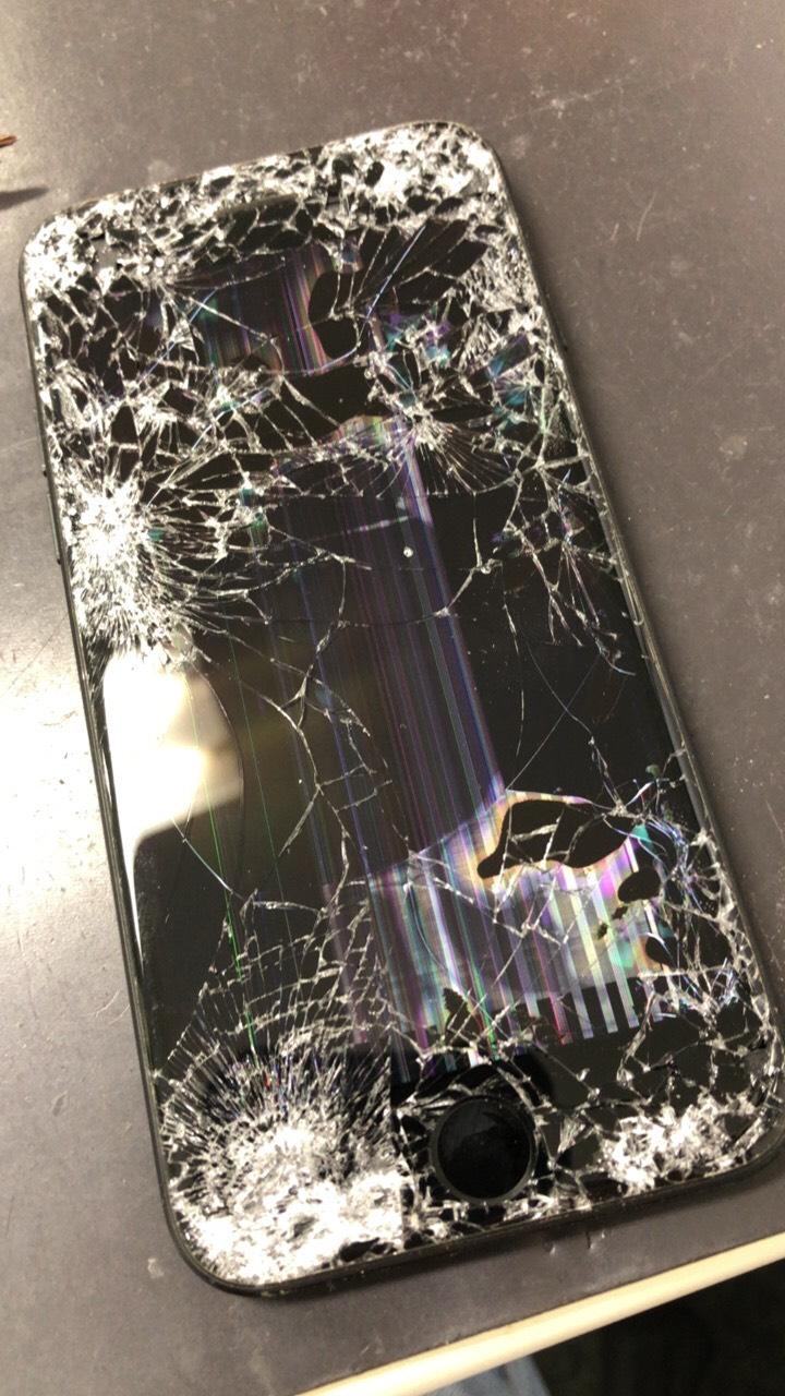 iPhone7轢かれた