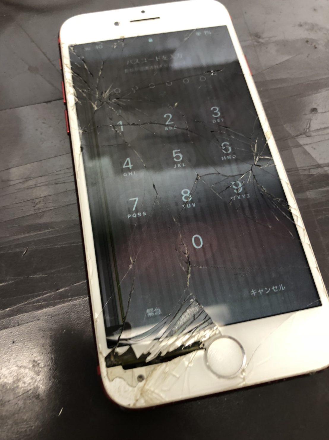 iPhone7画面割れ1