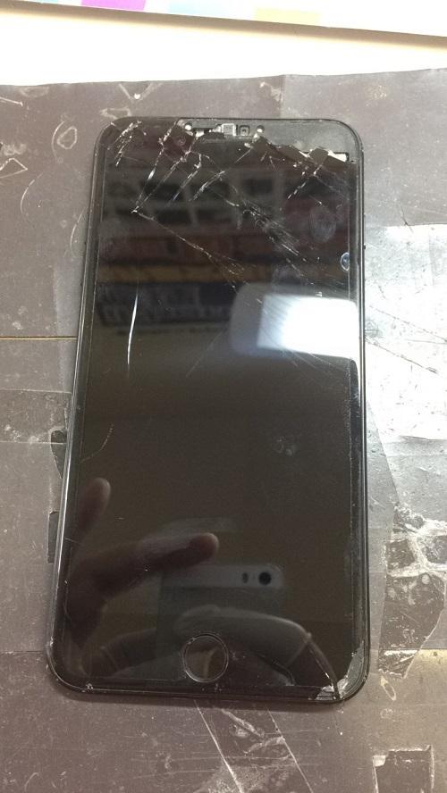 修理前画像iPhone7