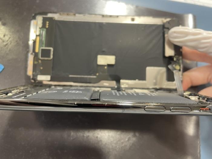 iPhoneX 修理 バッテリー 画面が浮いてきた