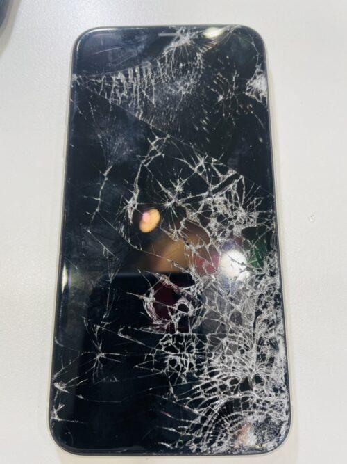 iPhone11 画面割れ 修理 小倉